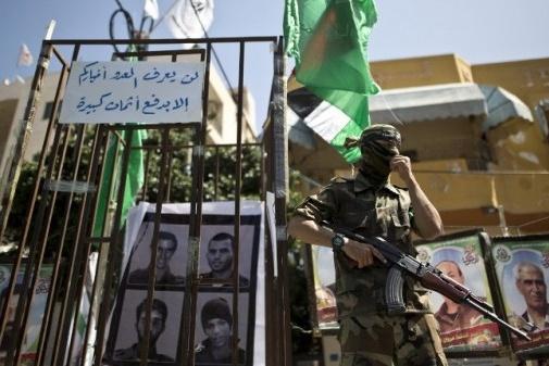 إسرائيل تبدي استعدادها للتفاوض مع حماس بشأن الأسرى