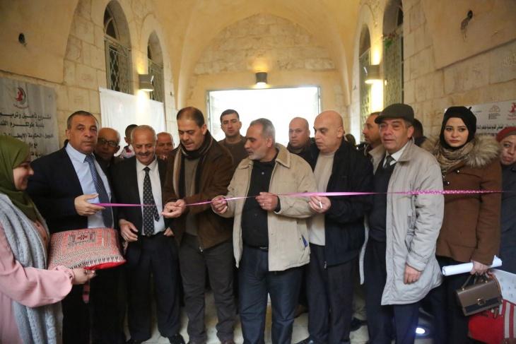 """وزارة الثقافة تنظم معرض الفن التشكيلي """"إبداعات كرمية"""""""